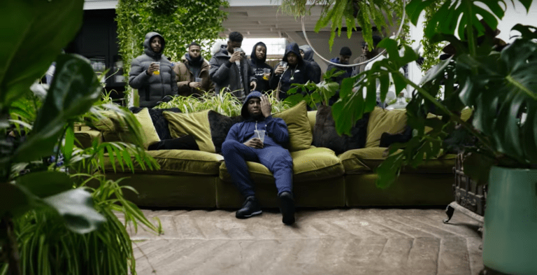PREMIERE: Belly Squad hire in Headie One for