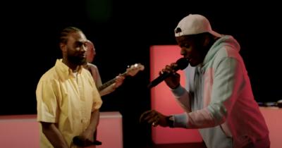 Mr Jukes, Barney Artist & Kofi Stone Perform